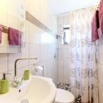 Badezimmer zu Zimmer 2
